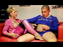 feet foot-fetish mammy milf
