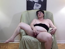 ass big-tits boobs bbw fatty juicy mammy masturbation mature